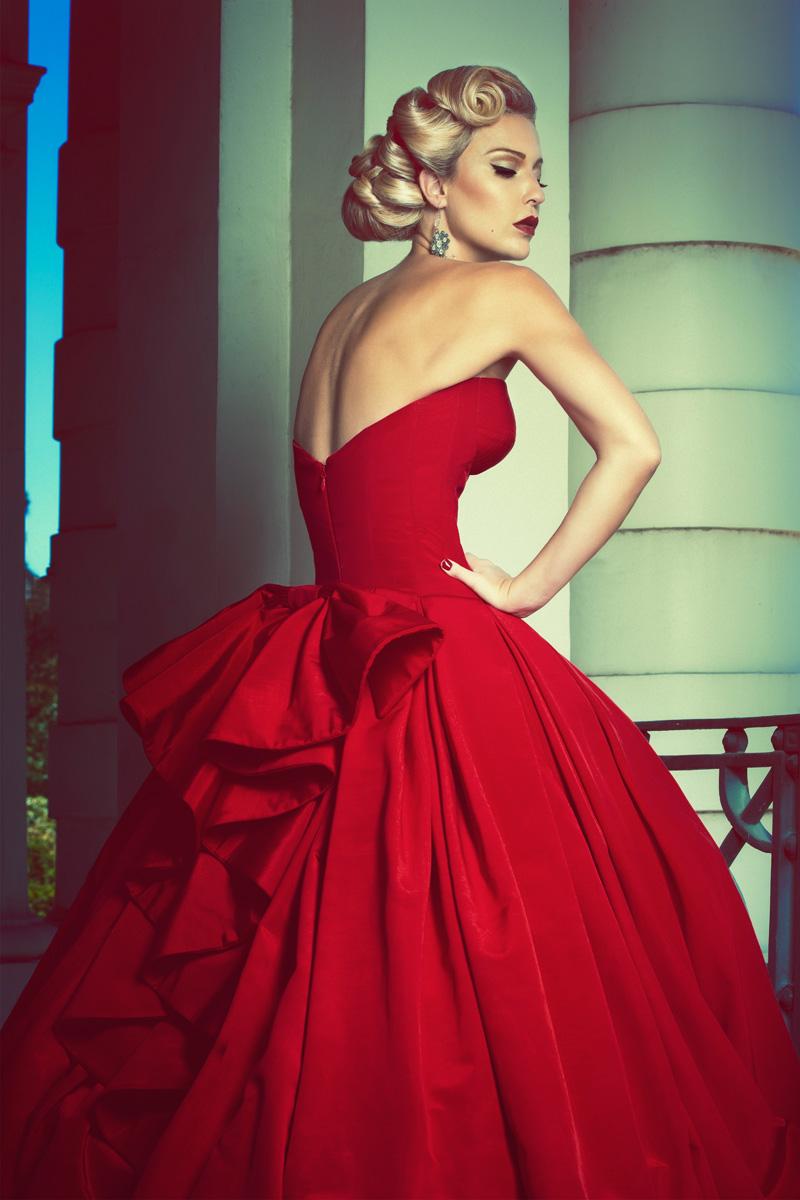 The Red Dress - Robert Coppa